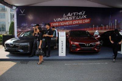 Khuyến mại khi mua xe VinFast mới nhất: Ưu đãi lên tới gần 300 triệu đồng.