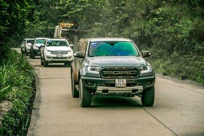 Ford Ranger Raptor cũng được ghi nhận có hiện tượng chảy dầu 1