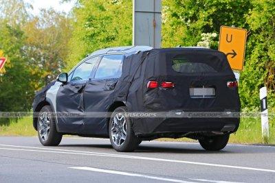 Đuôi xe Hyundai Santa Fe 2022 dự kiến tinh chỉnh bắt mắt hơn.