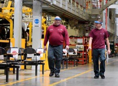 Sức khỏe nhân viên nhà máy sản xuấtlà 1 trong nhưng ưu tiên hàng đầu.