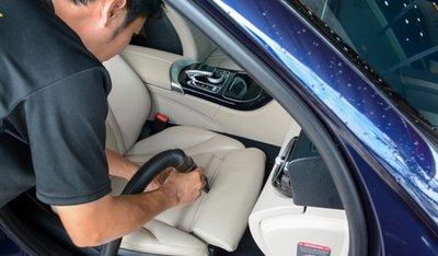 Cách bảo quản ghế da ô tô bóng, bền, đẹp - Ảnh 1.
