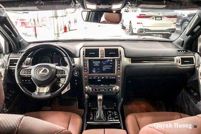 Ảnh khoang lái xe Lexus GX 460 2020