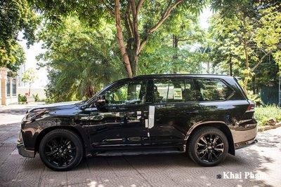 Ảnh chính diện thân xe Lexus LX 570 Super Sport Black Edition 2020