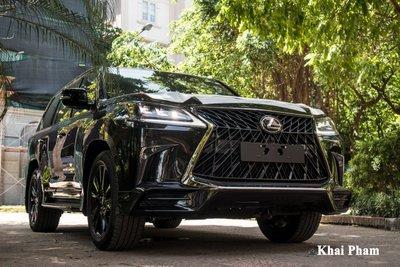 Ảnh đầu xe Lexus LX 570 Super Sport Black Edition 2020