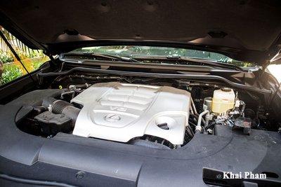 Ảnh động cơ xe Lexus LX 570 Super Sport Black Edition 2020