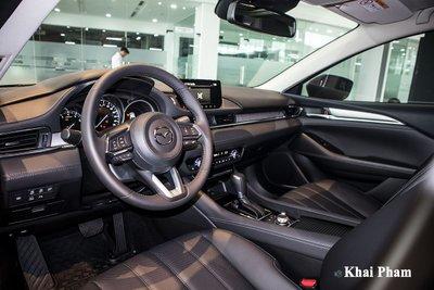 Giá lăn bánh Mazda 6 2020 giảm đáng kể nhờ chính sách ưu đãi 50% phí trước bạ...