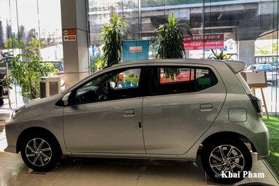 Ảnh chính diện thân xe Toyota Wigo 2020
