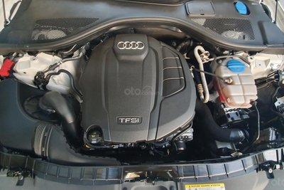 Khoang động cơ xe Audi A6 2015 1