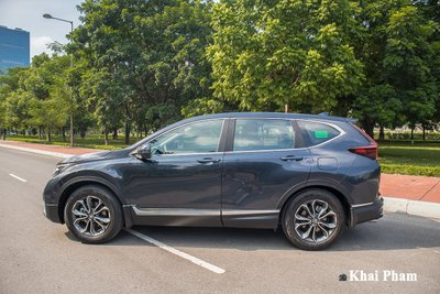 Ảnh chính diện thân xe Honda CR-V L 2020