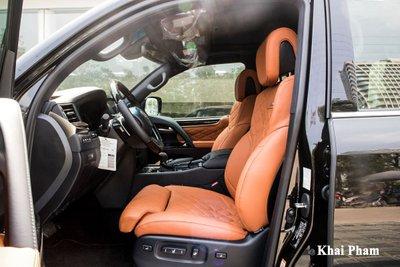 Muôn kiểu chơi xe Lexus LX570 của đại gia Việt, có cả bầu trời sao Rolls-Royce a5