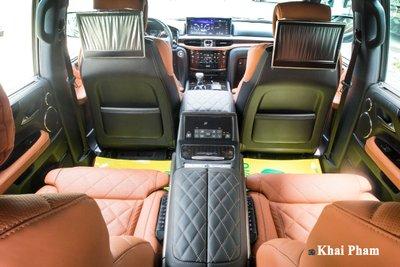 Muôn kiểu chơi xe Lexus LX570 của đại gia Việt, có cả bầu trời sao Rolls-Royce a6