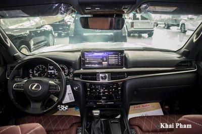 Ảnh chính khoang lái xe Lexus LX570 2020 bầu trời sao như Rolls-Royce