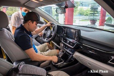 """Kia Seltos 2020 về đại lý, khách hàng không cần lái thử """"xuống tiền liền tay"""" a4"""