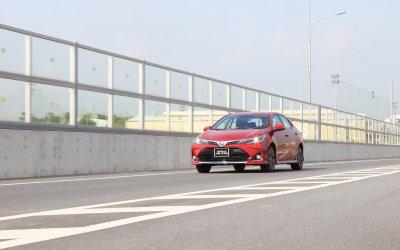 Giá lăn bánh Toyota Corolla Altis 2020.