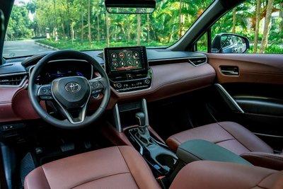 Ảnh khoang lái xe Toyota Corolla Cross 2020