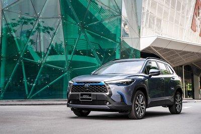 Ảnh thực tế Toyota Corolla Cross 2020 vừa ra mắt Việt Nam a2