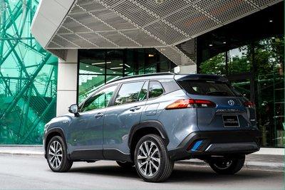 Ảnh đuôi xe Toyota Corolla Cross 2020