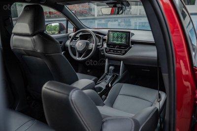 Thông số kỹ thuật xe Toyota Corolla Cross 2020: nội thất 1