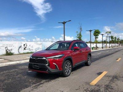 Giá xe Toyota Corolla Cross mới nhất...