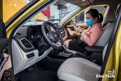 """Kia Seltos 2020 về đại lý, khách hàng không cần lái thử """"xuống tiền liền tay"""" a1"""