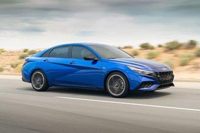 Hyundai Elantra N Line 2021 đề giá 624 triệu đồng tại Mỹ.