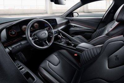 Hyundai Elantra N Line 2021 nâng tầm cảm nhận lái.