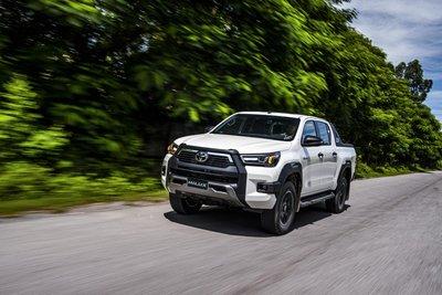 Toyota Hilux 2020 chính thức ra mắt Việt Nam, giá từ 628 triệu đồng.