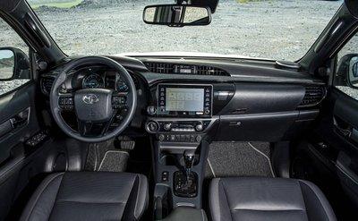 Toyota Hilux 2020 chính thức ra mắt Việt Nam, giá từ 628 triệu đồng - Ảnh 4.