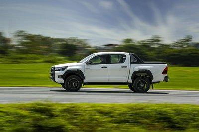 Toyota Hilux 2020 chính thức ra mắt Việt Nam, giá từ 628 triệu đồng - Ảnh 3.