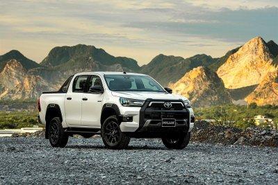 Ngoại hình tổng thể Toyota Hilux 2020 1