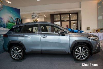 Chi tiết xe Toyota Corolla Cross 2020 vừa cập bến đại lý giá 820 triệu đồng a8