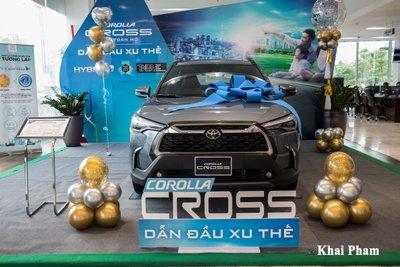 Chi tiết xe Toyota Corolla Cross 2020 vừa cập bến đại lý giá 820 triệu đồng a3