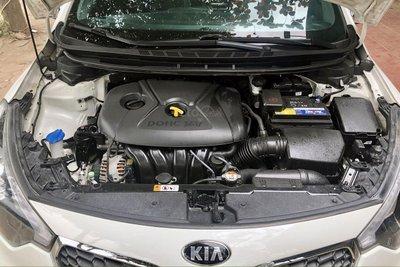 Khoang động cơ xe Kia K3 2014 1