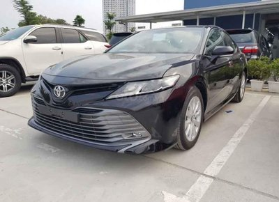 Phân khúc sedan hạng D tháng 7/2020: Toyota phản đòn, VinFast tụt hạng 1
