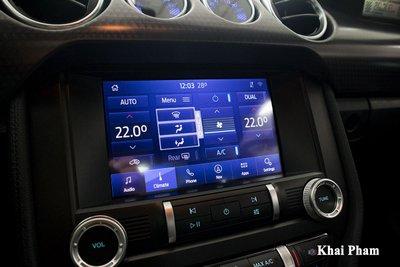 Ảnh màn hình xe Ford Mustang High Performance 2020