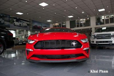 Ảnh đầu xe Ford Mustang High Performance 2020