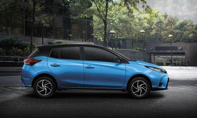 Toyota Yaris 2020 facelift giữ nguyên tạo hình thân thuộc.