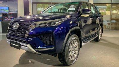 Hàng loạt mẫu xe mới rậm rịch ra mắt Việt Nam, đại lý bắt đầu nhận đặt cọc.
