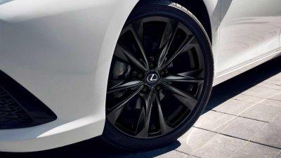 Lexus ES 2021 trang bị đẹp mắt.