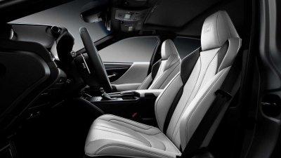 Lexus ES 2021 Black Line với nội thất sang trọng.