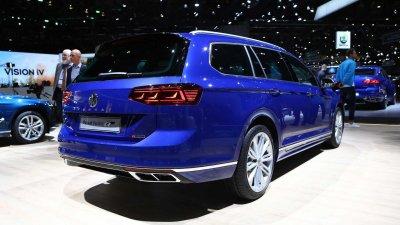 Volkswagen Passat từng đối mặt nguy cơ khai tử.