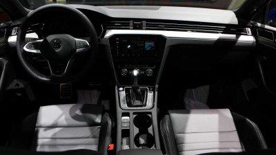 Volkswagen Passat vẫn còn được nhiều người tiêu dùng tín dụng.