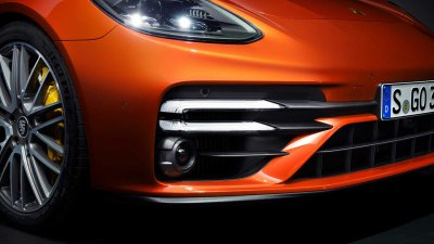 Porsche Panamera 2021 trang trí đẹp mắt.