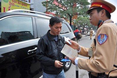 Tổng hợp các lỗi bị tước quyền sử dụng giấy phép lái xe năm 2020.