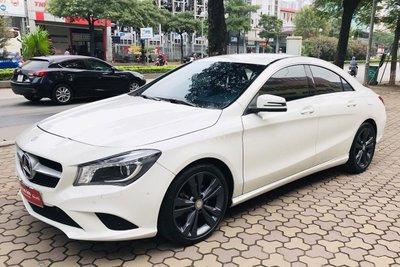 Mercedes-Benz CLA 200 2017 đang rao bán 900 triệu đồng 1