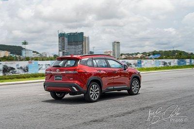 Người tiêu dùng Việt dần nâng cấp phương tiện di chuyển, Toyota Corolla Cross mở đường - Ảnh 1.