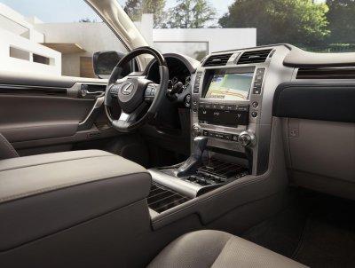 Lexus GX 2021 đảm bảo trải nghiệm lái lẫn độ an toàn người dùng vẫn là ưu tiên đầu.