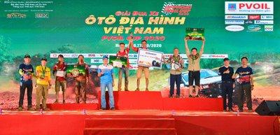 Lộ diện các nhà vô địch PVOIL VOC, khép lại mùa giải đua ô tô định hình năm 2020 a5