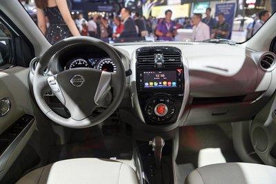 Khoang nội thất Nissan Sunny 2018 được đánh giá rộng nhất phân khúc.
