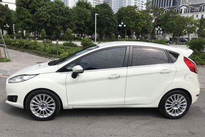 Thiết kế thân xe Ford Fiesta 2015 1